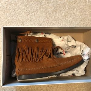Minnetonka suede moccasins - 7 (new in box)